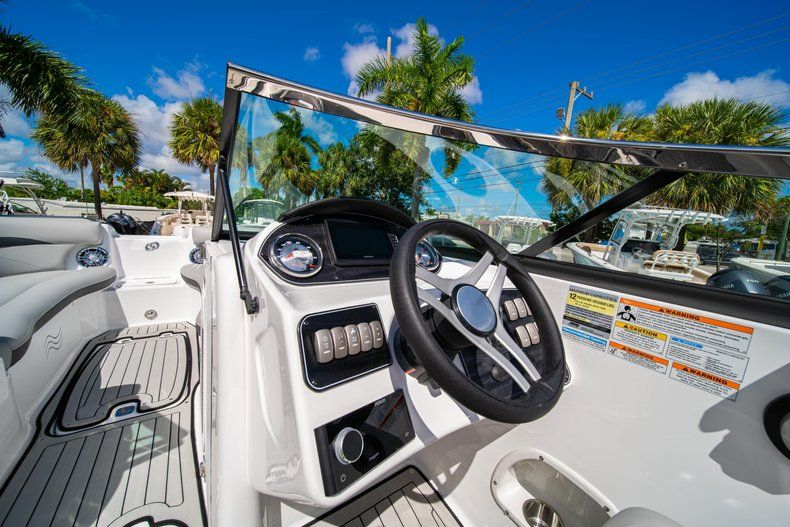 Thumbnail 15 for New 2020 Hurricane SD 2400 OB boat for sale in West Palm Beach, FL