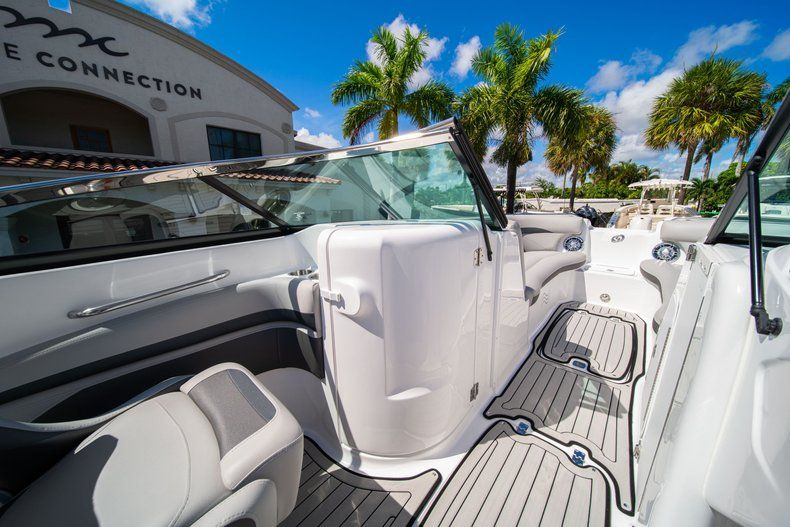 Thumbnail 19 for New 2020 Hurricane SD 2400 OB boat for sale in West Palm Beach, FL