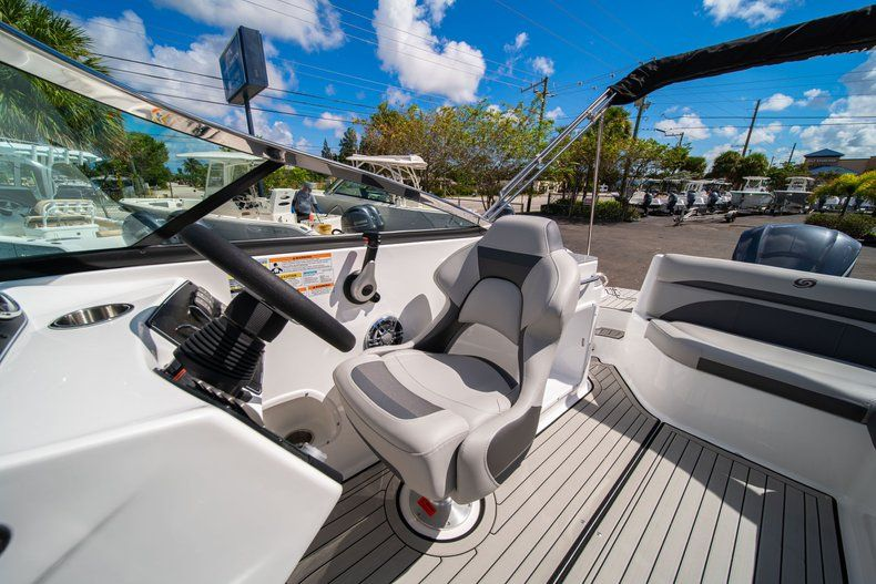 Thumbnail 17 for New 2020 Hurricane SD 2400 OB boat for sale in West Palm Beach, FL