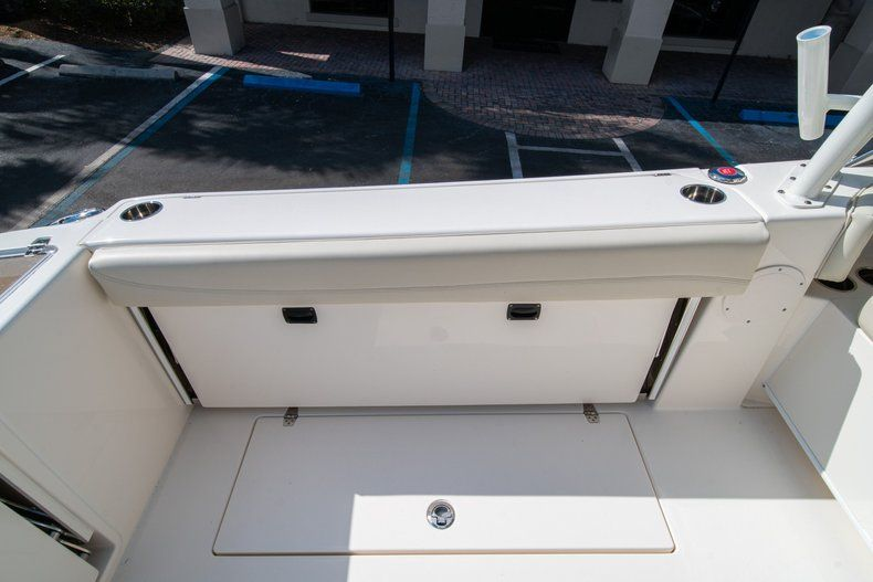 Thumbnail 18 for New 2020 Cobia 280 DC Dual Console boat for sale in Fort Lauderdale, FL