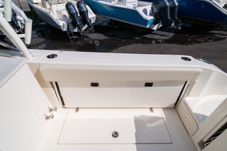 Thumbnail 13 for New 2020 Cobia 280 DC Dual Console boat for sale in Fort Lauderdale, FL