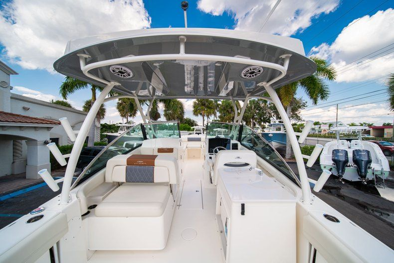 Thumbnail 22 for New 2020 Cobia 280 DC Dual Console boat for sale in Fort Lauderdale, FL