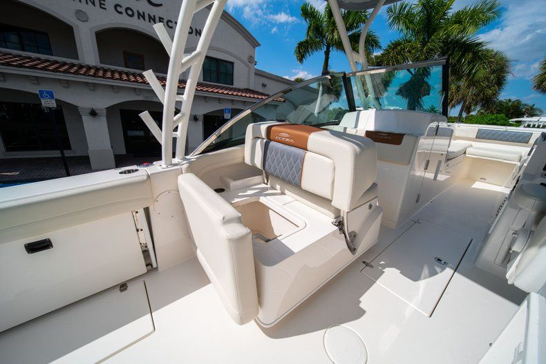 Thumbnail 26 for New 2020 Cobia 280 DC Dual Console boat for sale in Fort Lauderdale, FL