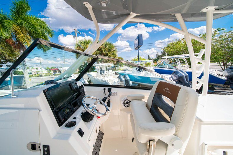 Thumbnail 33 for New 2020 Cobia 280 DC Dual Console boat for sale in Fort Lauderdale, FL