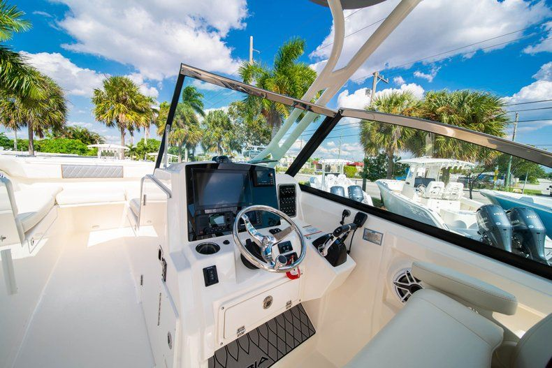 Thumbnail 30 for New 2020 Cobia 280 DC Dual Console boat for sale in Fort Lauderdale, FL