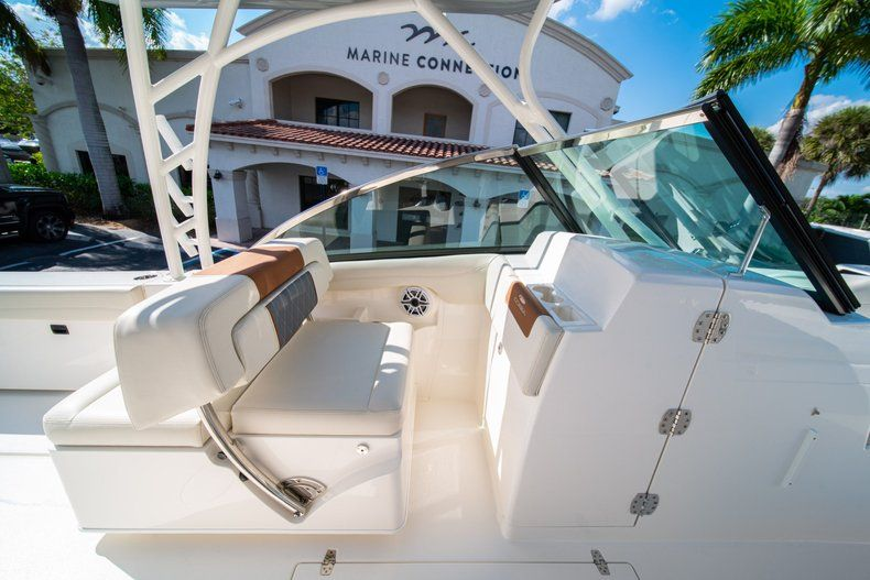 Thumbnail 29 for New 2020 Cobia 280 DC Dual Console boat for sale in Fort Lauderdale, FL