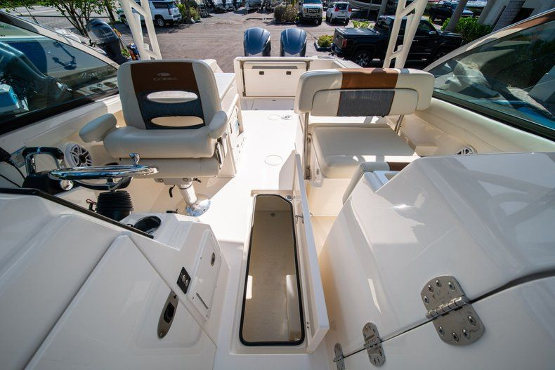 Thumbnail 35 for New 2020 Cobia 280 DC Dual Console boat for sale in Fort Lauderdale, FL