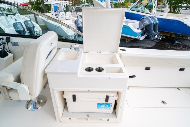 Thumbnail 24 for New 2020 Cobia 280 DC Dual Console boat for sale in Fort Lauderdale, FL