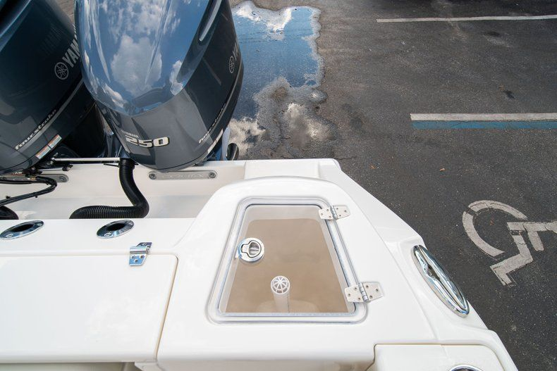 Thumbnail 20 for New 2020 Cobia 280 DC Dual Console boat for sale in Fort Lauderdale, FL