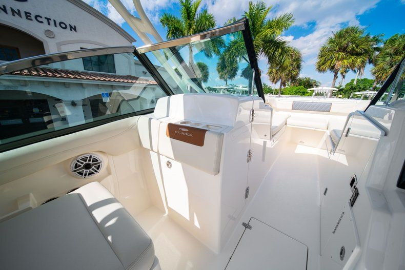 Thumbnail 27 for New 2020 Cobia 280 DC Dual Console boat for sale in Fort Lauderdale, FL