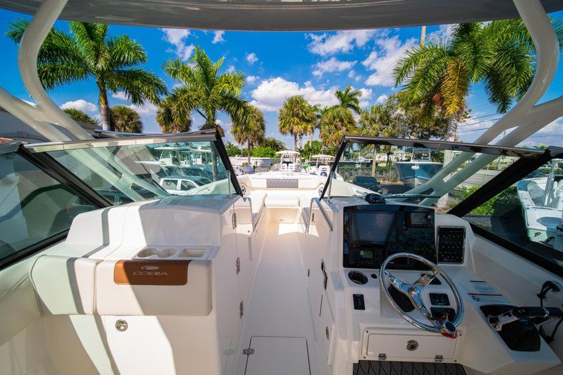 Thumbnail 38 for New 2020 Cobia 280 DC Dual Console boat for sale in Fort Lauderdale, FL