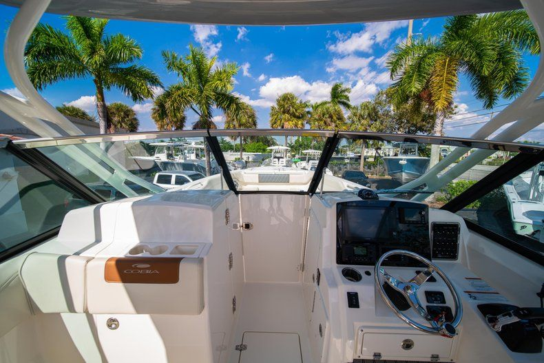 Thumbnail 39 for New 2020 Cobia 280 DC Dual Console boat for sale in Fort Lauderdale, FL