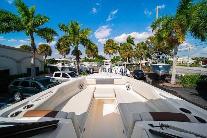 Thumbnail 42 for New 2020 Cobia 280 DC Dual Console boat for sale in Fort Lauderdale, FL