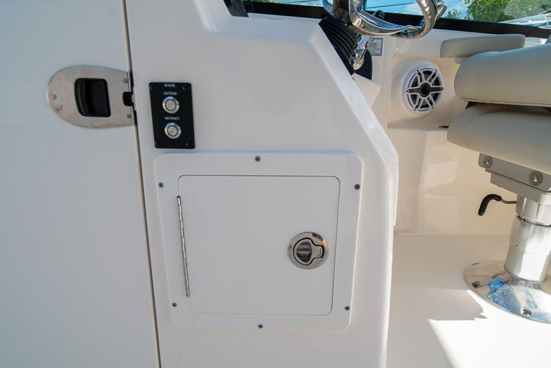 Thumbnail 36 for New 2020 Cobia 280 DC Dual Console boat for sale in Fort Lauderdale, FL