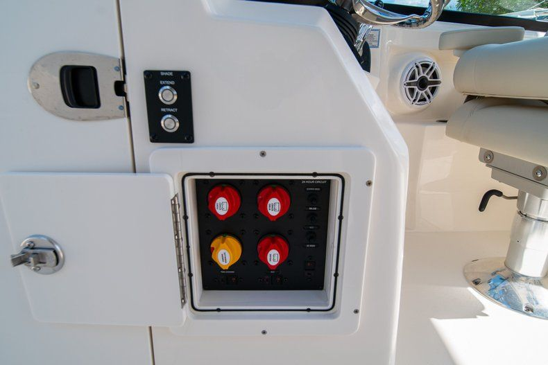 Thumbnail 37 for New 2020 Cobia 280 DC Dual Console boat for sale in Fort Lauderdale, FL