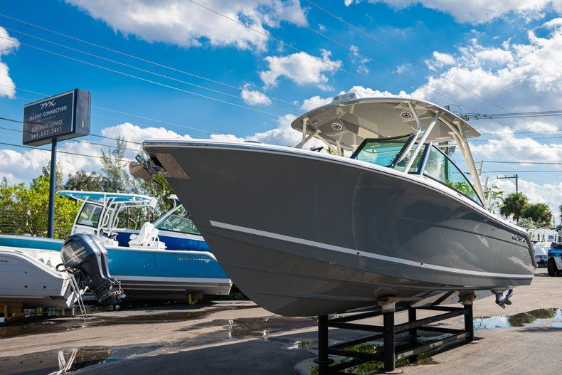 Thumbnail 3 for New 2020 Cobia 280 DC Dual Console boat for sale in Fort Lauderdale, FL
