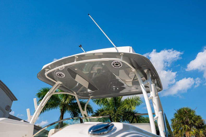 Thumbnail 6 for New 2020 Cobia 280 DC Dual Console boat for sale in Fort Lauderdale, FL