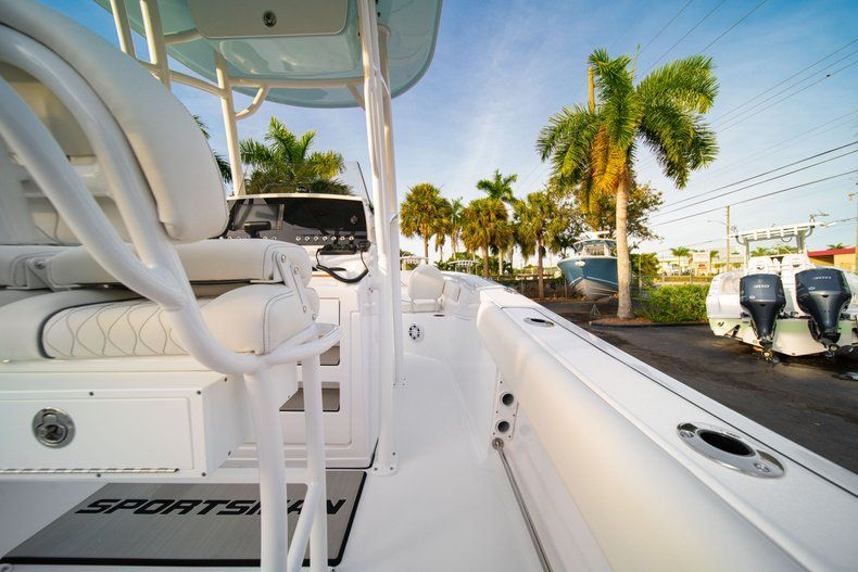 Thumbnail 15 for New 2020 Sportsman Heritage 211 Center Console boat for sale in Vero Beach, FL