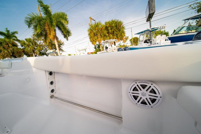 Thumbnail 14 for New 2020 Sportsman Heritage 211 Center Console boat for sale in Vero Beach, FL