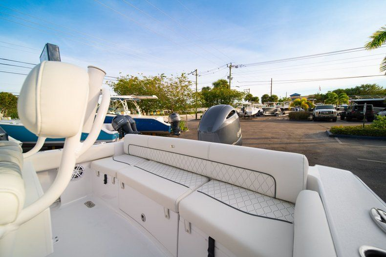 Thumbnail 12 for New 2020 Sportsman Heritage 211 Center Console boat for sale in Vero Beach, FL