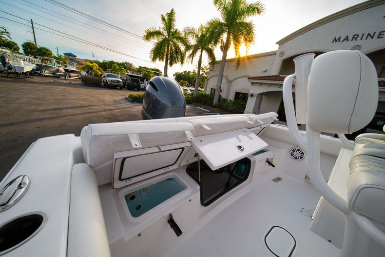 Thumbnail 10 for New 2020 Sportsman Heritage 211 Center Console boat for sale in Vero Beach, FL