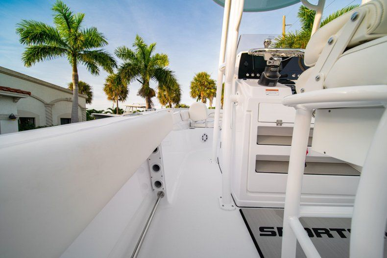 Thumbnail 17 for New 2020 Sportsman Heritage 211 Center Console boat for sale in Vero Beach, FL