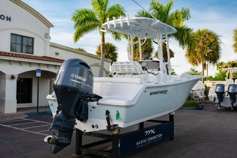 Thumbnail 7 for New 2020 Sportsman Heritage 211 Center Console boat for sale in Vero Beach, FL
