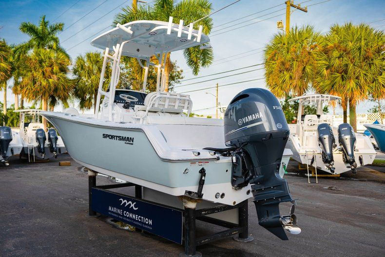 Thumbnail 5 for New 2020 Sportsman Heritage 211 Center Console boat for sale in Vero Beach, FL