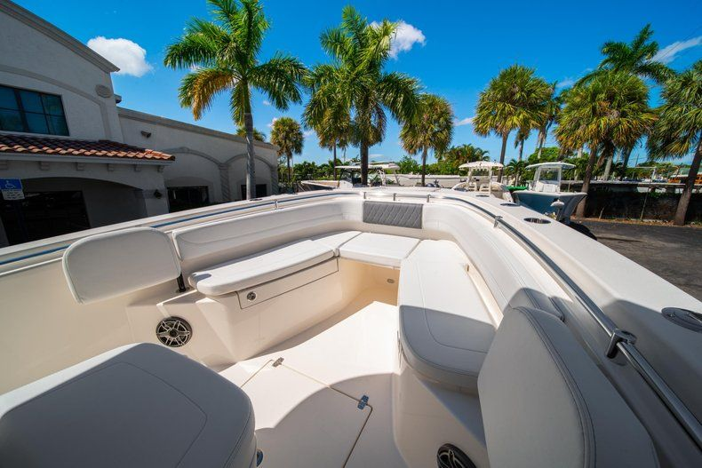 Thumbnail 34 for New 2020 Cobia 262 CC Center Console boat for sale in Miami, FL