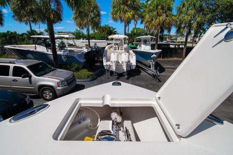 Thumbnail 39 for New 2020 Cobia 262 CC Center Console boat for sale in Miami, FL