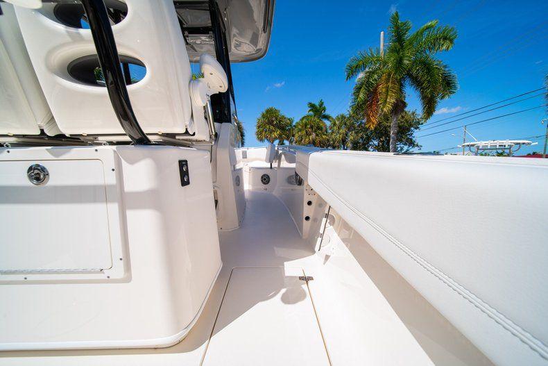 Thumbnail 14 for New 2020 Cobia 262 CC Center Console boat for sale in Miami, FL