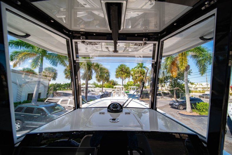 Thumbnail 27 for New 2020 Cobia 262 CC Center Console boat for sale in Miami, FL