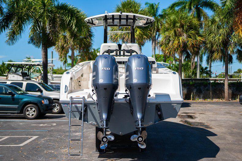 Thumbnail 6 for New 2020 Cobia 262 CC Center Console boat for sale in Miami, FL