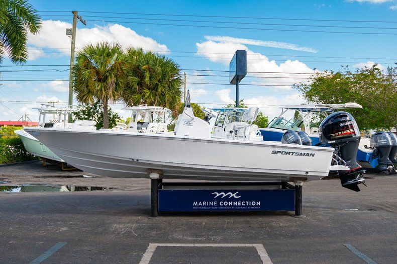 Thumbnail 4 for New 2020 Sportsman Tournament 214 SBX Bay Boat boat for sale in West Palm Beach, FL