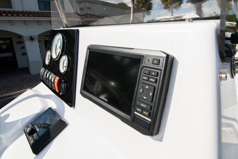 Thumbnail 18 for New 2020 Sportsman Tournament 214 SBX Bay Boat boat for sale in West Palm Beach, FL