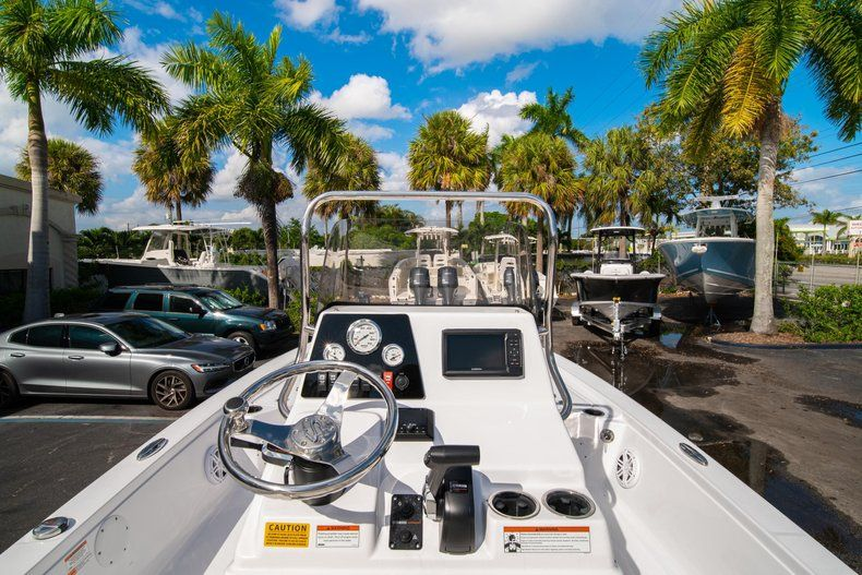 Thumbnail 16 for New 2020 Sportsman Tournament 214 SBX Bay Boat boat for sale in West Palm Beach, FL