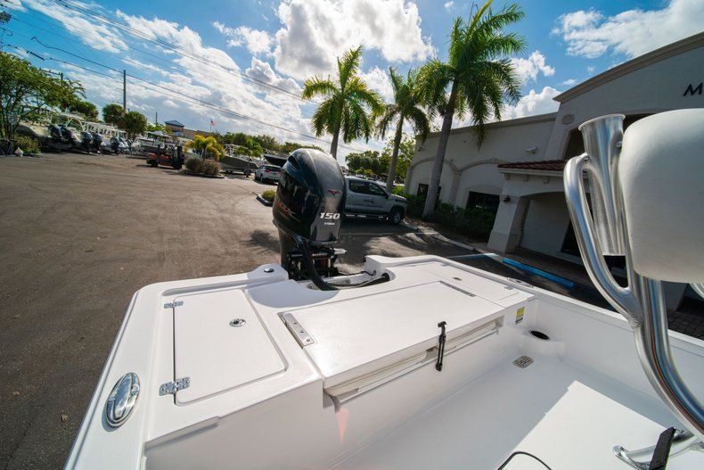 Thumbnail 8 for New 2020 Sportsman Tournament 214 SBX Bay Boat boat for sale in West Palm Beach, FL