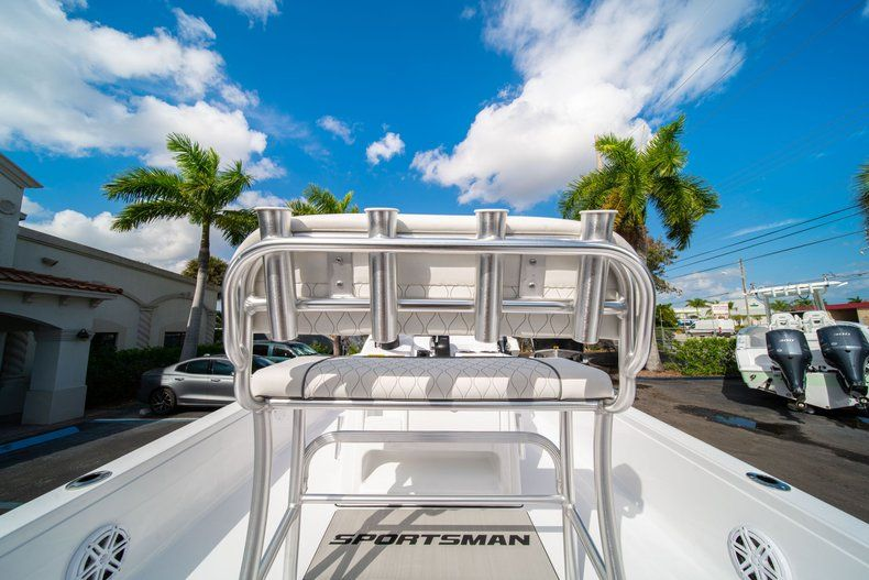 Thumbnail 13 for New 2020 Sportsman Tournament 214 SBX Bay Boat boat for sale in West Palm Beach, FL