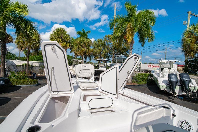 Thumbnail 26 for New 2020 Sportsman Tournament 214 SBX Bay Boat boat for sale in West Palm Beach, FL