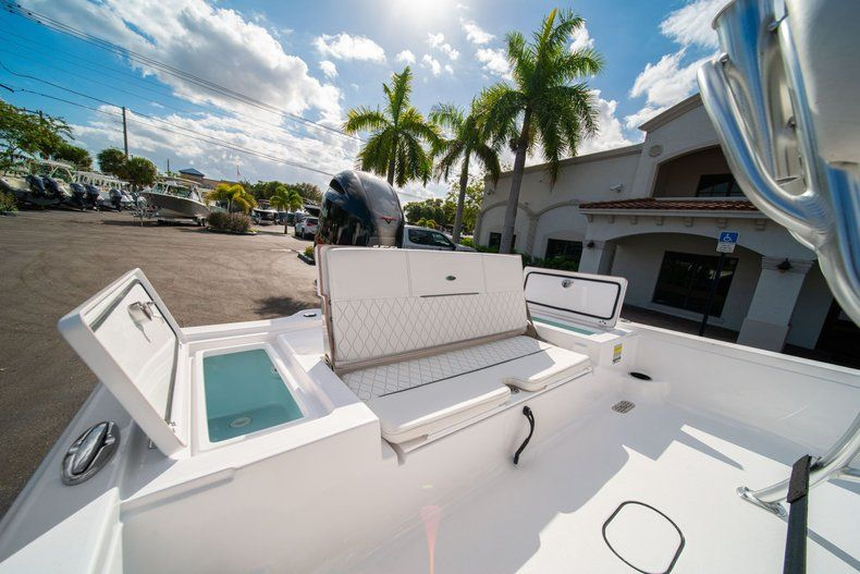 Thumbnail 9 for New 2020 Sportsman Tournament 214 SBX Bay Boat boat for sale in West Palm Beach, FL