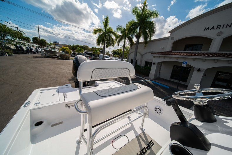 Thumbnail 20 for New 2020 Sportsman Tournament 214 SBX Bay Boat boat for sale in West Palm Beach, FL
