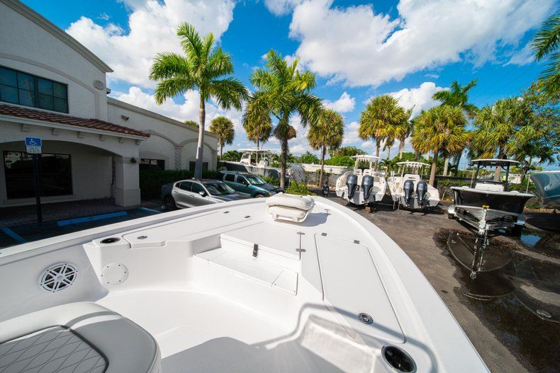 Thumbnail 23 for New 2020 Sportsman Tournament 214 SBX Bay Boat boat for sale in West Palm Beach, FL