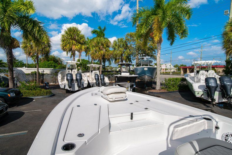 Thumbnail 25 for New 2020 Sportsman Tournament 214 SBX Bay Boat boat for sale in West Palm Beach, FL
