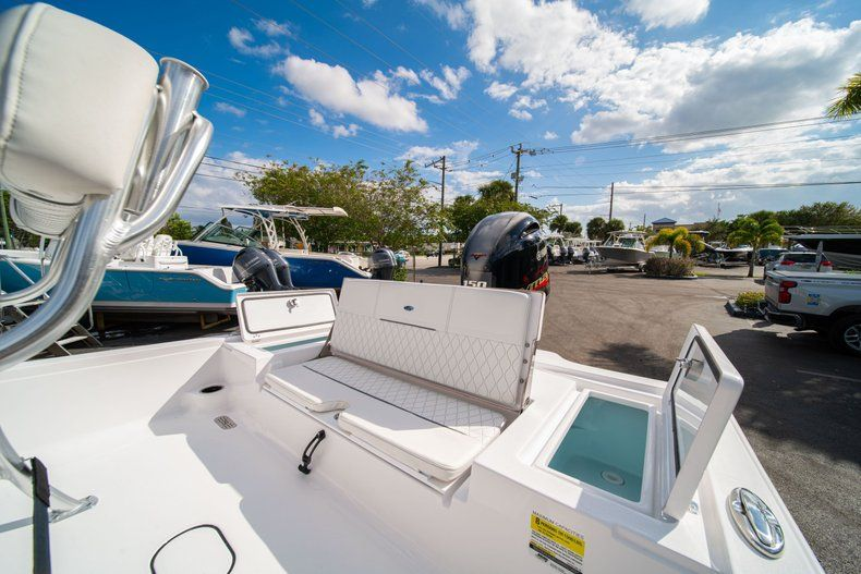 Thumbnail 11 for New 2020 Sportsman Tournament 214 SBX Bay Boat boat for sale in West Palm Beach, FL