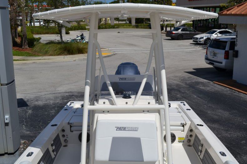 Thumbnail 15 for New 2020 Pathfinder 2200 TRS boat for sale in Fort Lauderdale, FL