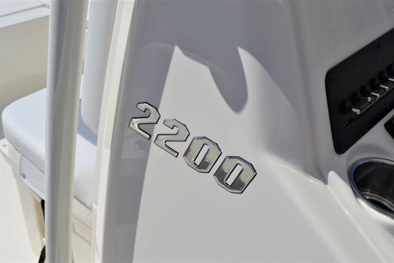 Thumbnail 12 for New 2020 Pathfinder 2200 TRS boat for sale in Fort Lauderdale, FL