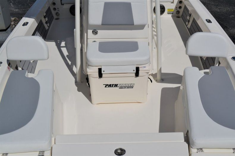 Thumbnail 18 for New 2020 Pathfinder 2200 TRS boat for sale in Fort Lauderdale, FL