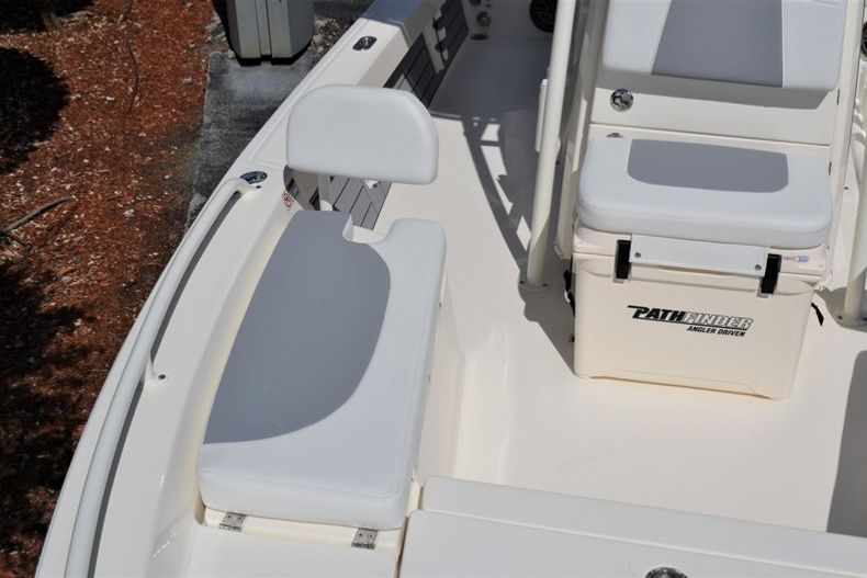 Thumbnail 19 for New 2020 Pathfinder 2200 TRS boat for sale in Fort Lauderdale, FL