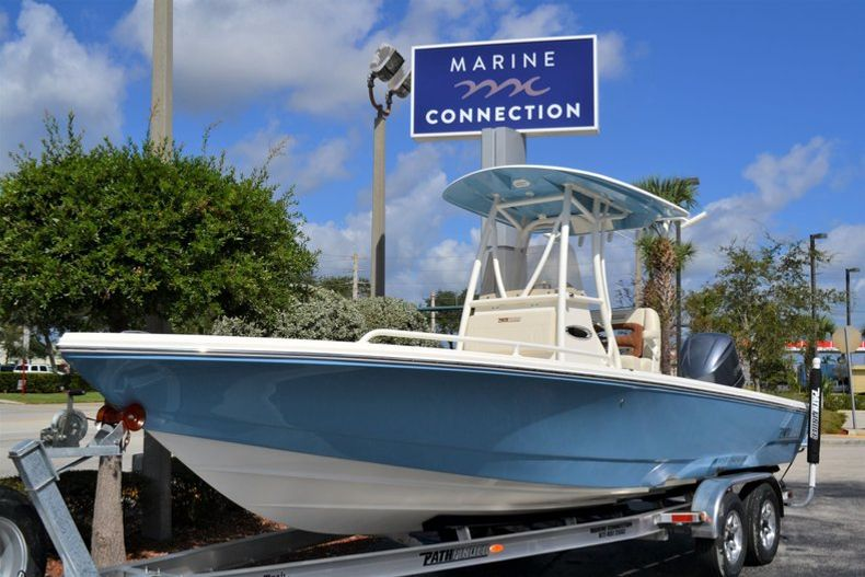 Thumbnail 1 for New 2020 Pathfinder 2600 TRS Bay Boat boat for sale in Vero Beach, FL