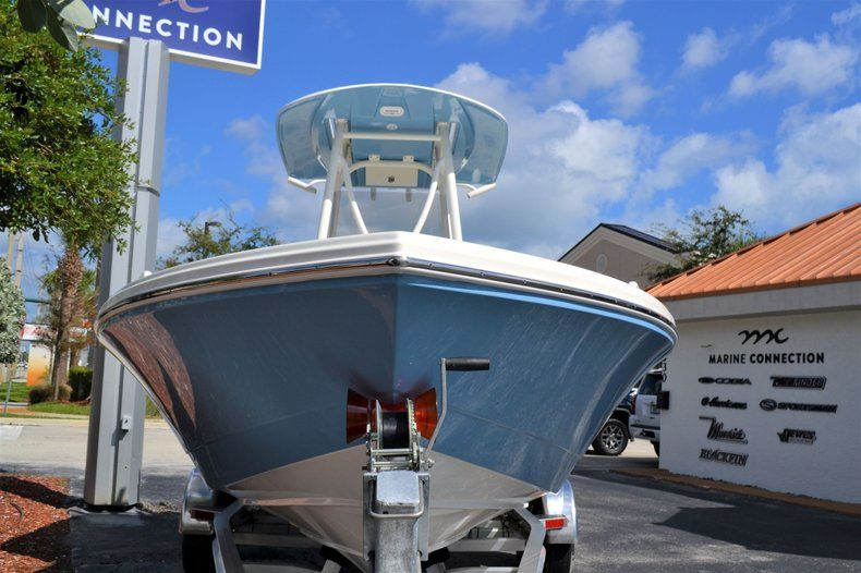 Thumbnail 2 for New 2020 Pathfinder 2600 TRS Bay Boat boat for sale in Vero Beach, FL